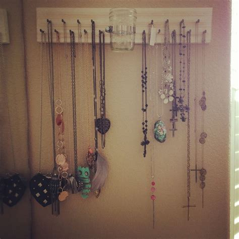 diy necklace hanger vintage bedroom