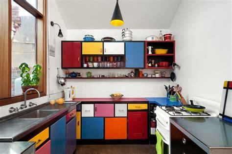 ideas coloridas  alegrar el espacio de cocina