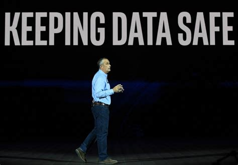 intel ceo intel ceo addresses chip security problems in presentation