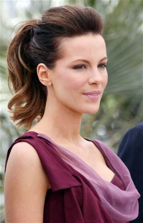stylish and trendy office hairstyles