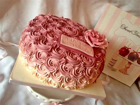 red roses pink ombre cake pretty in pink ombre cake the great british bake off