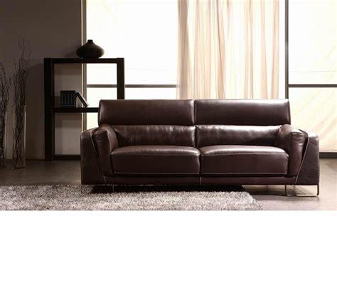 leather sofa with accent dreamfurniture com divani casa 3946 modern faux