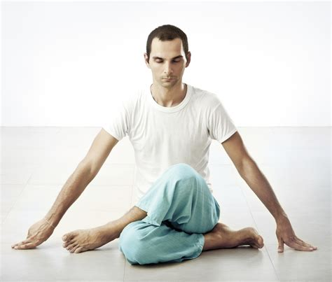 yoga for men the worlds best mens yoga clothing plus why men should do yoga