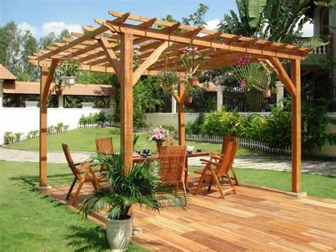 wood pergolas designs holz pergola bauen f 252 r abwechslung romantik und komfort