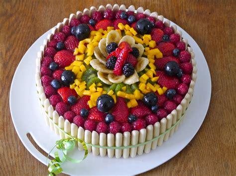 Decoration Genoise Aux Fruits by G 226 Teau D Anniversaire Aux Fruits Mes Recettes Tout