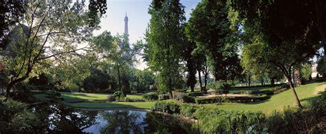 la tour eiffel depuis les jardins du trocad 233 ro