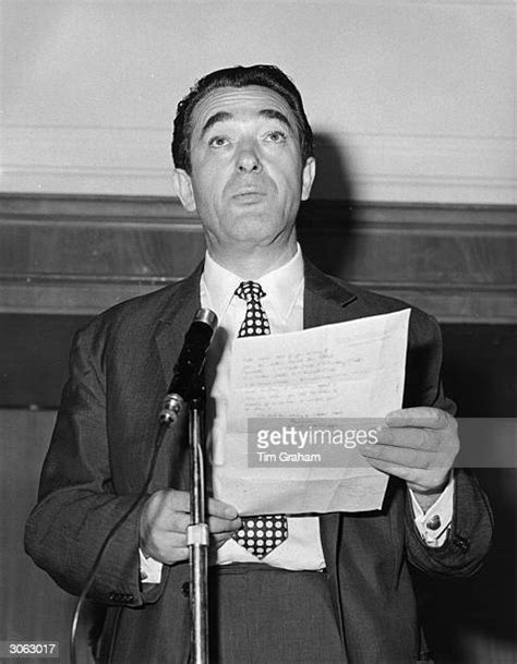 Robert Maxwell Stock Photos and Pictures | Getty Images