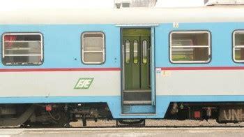carrozza treno ferrovie sud est davvero roba da piazzasalento