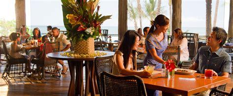 Amaama Hawaiian Cuisine Restaurant Aulani Hawaii Resort Disney Dining Table Service