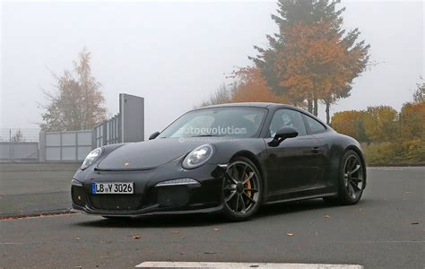 Porsche 911 Limited Edition by Porsche Closing In On Limited Edition 911 R Model