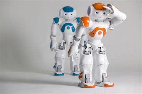 film robot entier en francais un robot fran 231 ais s 233 duit les universit 233 s du monde entier