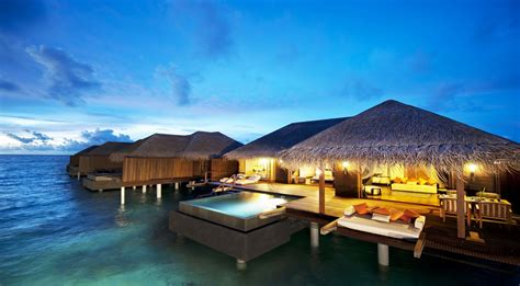 holiday place 10 luxury resorts where the rich famous stay at in the