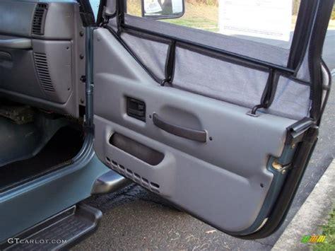 Jeep Yj Door Panels 1997 Jeep Wrangler Sport 4x4 Gray Door Panel Photo