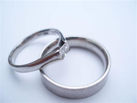 Cincin Kawin Pernikahan Emas Elegan Mewah contoh model cincin tunangan terbaru situs pernikahan