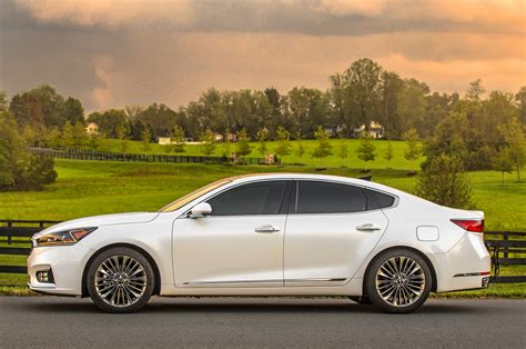 kia k7 review kia cadenza reviews research new used models motor trend