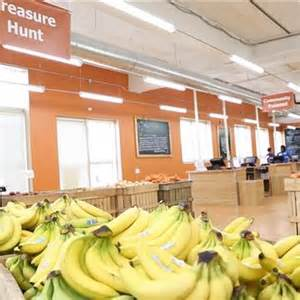 Daily Table Grocery Store by Daily Table Supermarket Specializes In Food Past Its Prime