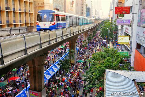 Silom Walking Street on Sunday - Sunday Market in Bangkok