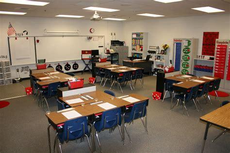 high school classroom organization arranging the desks desk arrangement one i haven t tried before school