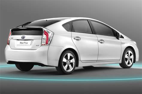 Toyota Prius Car Facelifted 2012 Toyota Prius Quietly Makes World Premiere