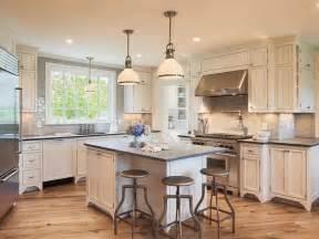Cottage Kitchen Lighting Interior Design Inspiration Photos By Metz Design