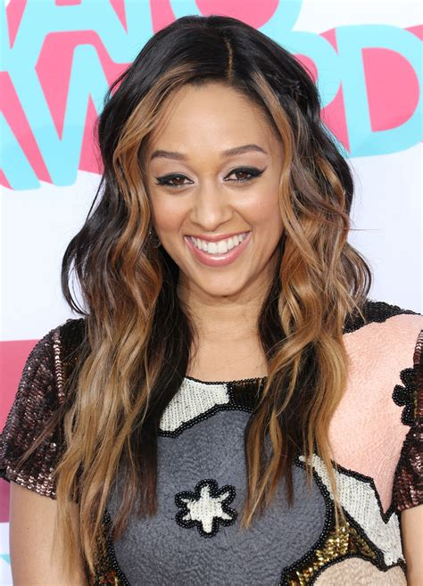 And Tamera Hairstyles by Mowry Wavy Cut Mowry Looks Stylebistro