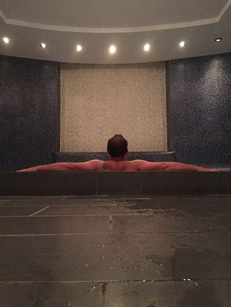 steam room etiquette spa etiquette from stripping to tipping