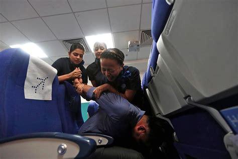 indigo airlines careers cabin crew flight attendant at indigo airlines in india