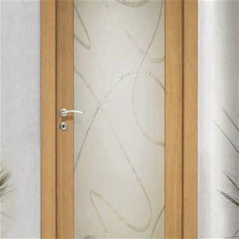 porte in legno e vetro per interni porta per interni in legno noce decorato ligurgo infissi