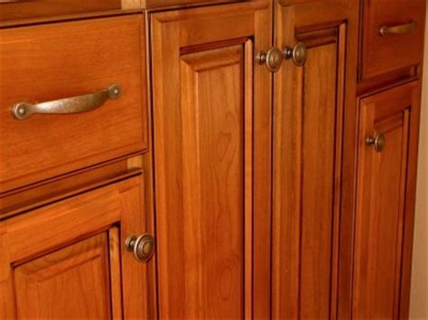 kitchen cabinet drawer guides useful guides to choose the kitchen drawer pulls
