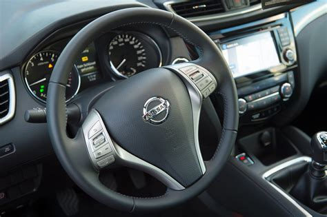 nissan qashqai interior the gallery for gt nissan qashqai 2014 interior