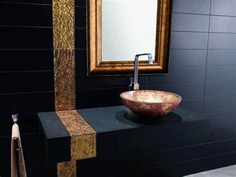 blue mosaic badezimmeraccessoires diese badezimmer in schwarz wirken luxuri 246 s und