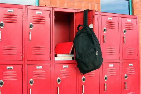 How To Make Locker Decorations At Home Money Saving Tips For Decorating Your High Locker