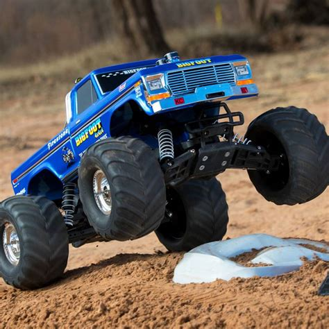 bigfoot the monster truck videos bigfoot classic 1 10 scale rtr monster truck blue