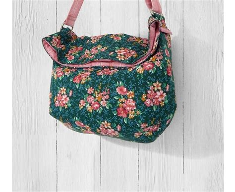 pattern for sewing a bag slick slouchy sling bag free sewing pattern