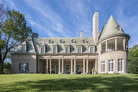 the gatsby mansion the real great gatsby house long island home for sale people com