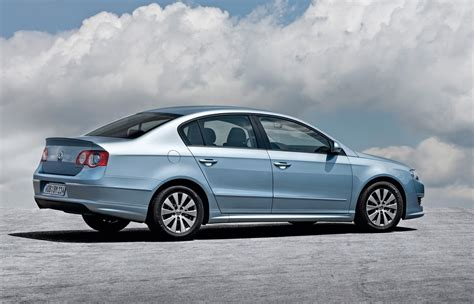 blue volkswagen passat vw reveals bluemotion range at frankfurt motor show