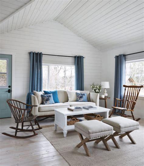 charming tiny farmhouse interiors  color