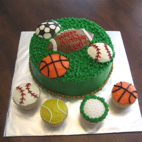 sports themed cake decorations 25 best ideas about sport cakes on baseball