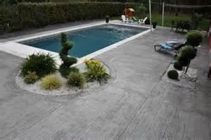 beton decoratif piscine nivrem terrasse beton imprime bois diverses id 233 es