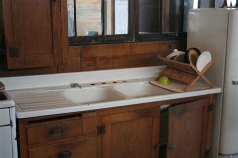 arts and crafts kitchen cabinets arts and crafts kitchen cabinets putnam speedwell
