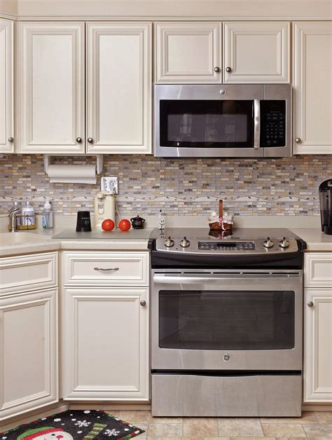 white kitchen cabinet doors refacing 91 best images about off white kitchens on