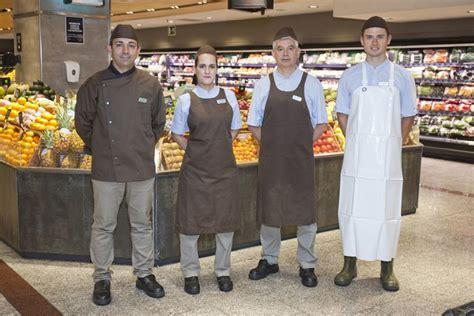 supermercado del corte ingles hipercor nuevo uniforme de los empleados del supermercado el corte