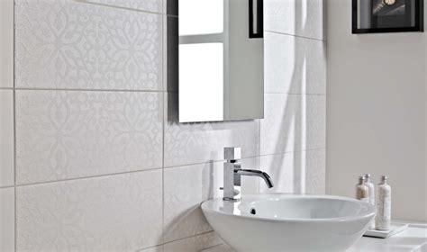 Wc Ruimte Betegelen by Wc Betegelen Uw Toilet Laten Tegelen Door Van Doesburg