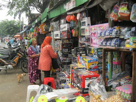 jalur kiri pasar gembrong gudangnya mainan cina