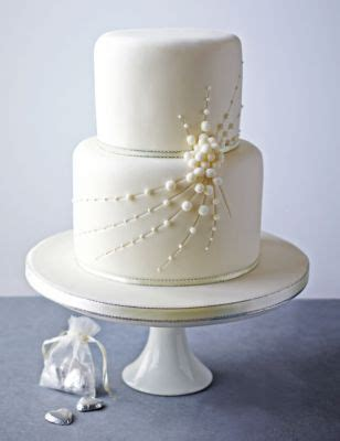 cascade of pearls chocolate cake with a chocolate marc de