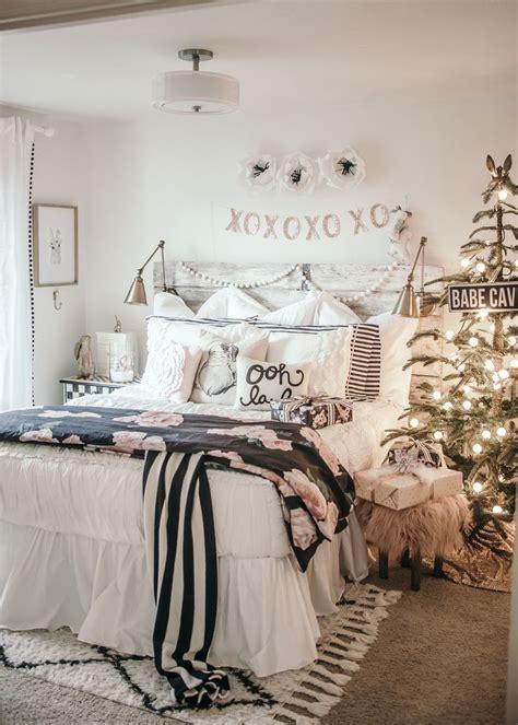 bedroom comforter ideas best 25 bedding decor ideas on pinterest mr mrs sign