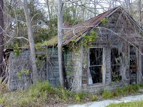 haunted houses in sc 13 creepy houses in south carolina that could be haunted