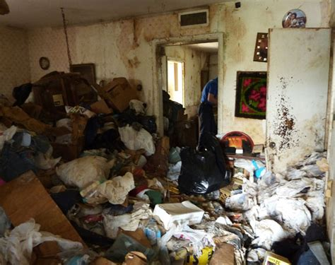 dirty living room hall of shame messy page 3 ugly house photos