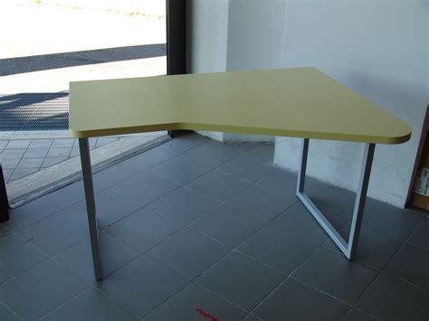 scrivania sagomata scrivania sagomata mobili lupparelli