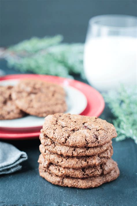 new year almond cookies canadian living new year chocolate almond cookies 28 images almond